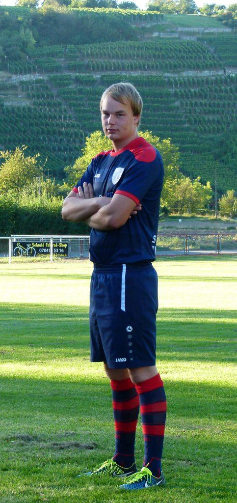 Abwehrspieler Lukas Schmidt